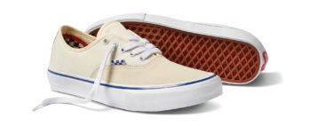 SP21_Skate_Authentic_VN0A5FC8OFW_OffWht_AngPair